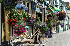 jean-oflahertys-traditional-irish-pub-buncrana-county-donegal-republic-e6w2mw